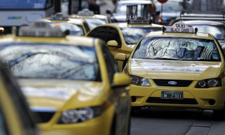 More cabbies are set to hit Melbourne's streets after taxi industry's knowledge test is scrapped