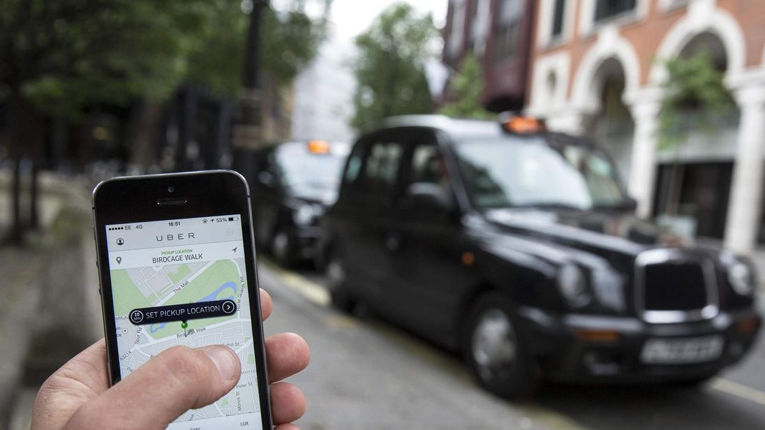 London cab drivers plot £1bn class action claim against Uber